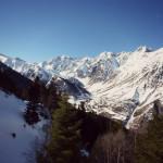 La vallée de Badet et Piau-Engaly sous les falaises du Campbieil  (3173m) et du pic Méchant (2944m)