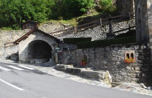 La fontaine du village de Soulan